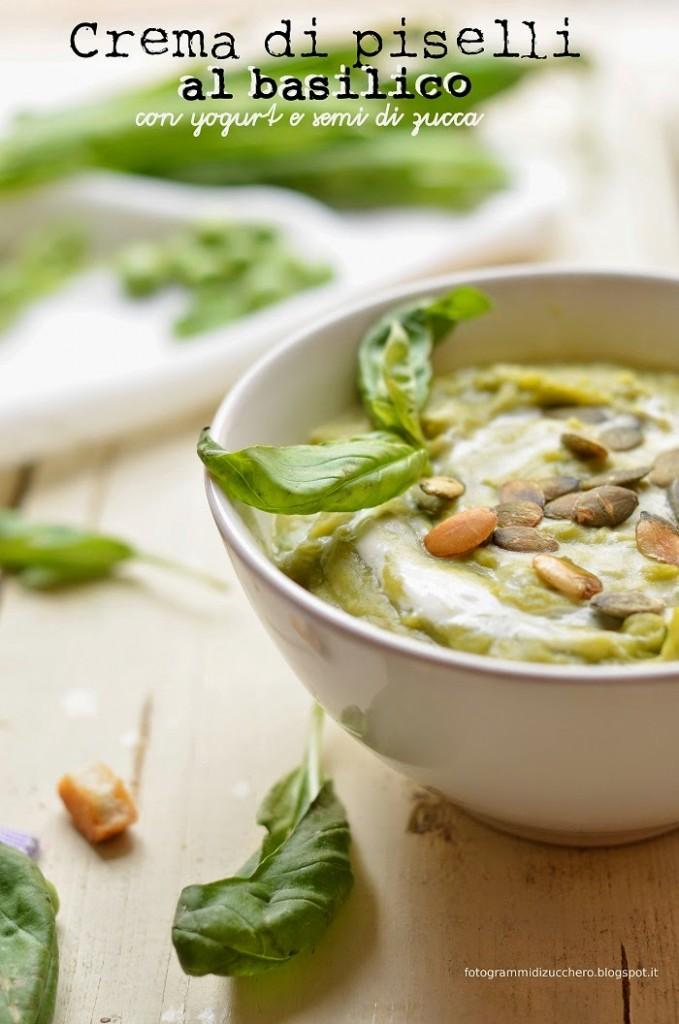 Crema di piselli al basilico con yogurt e semi di zucca