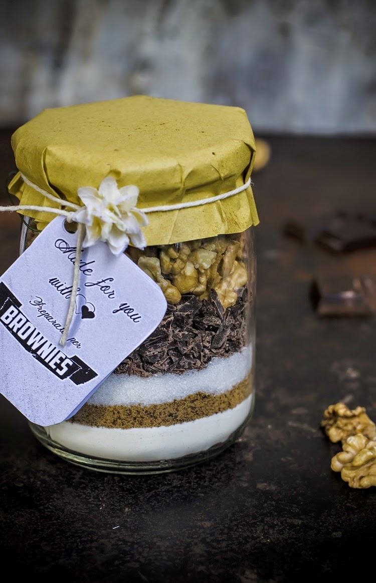 Idee Regalo Dolci Natale.Preparato Per Brownies Al Cioccolato E Noci Regali Di Natale Homemade Frames Of Sugar Fotogrammi Di Zucchero