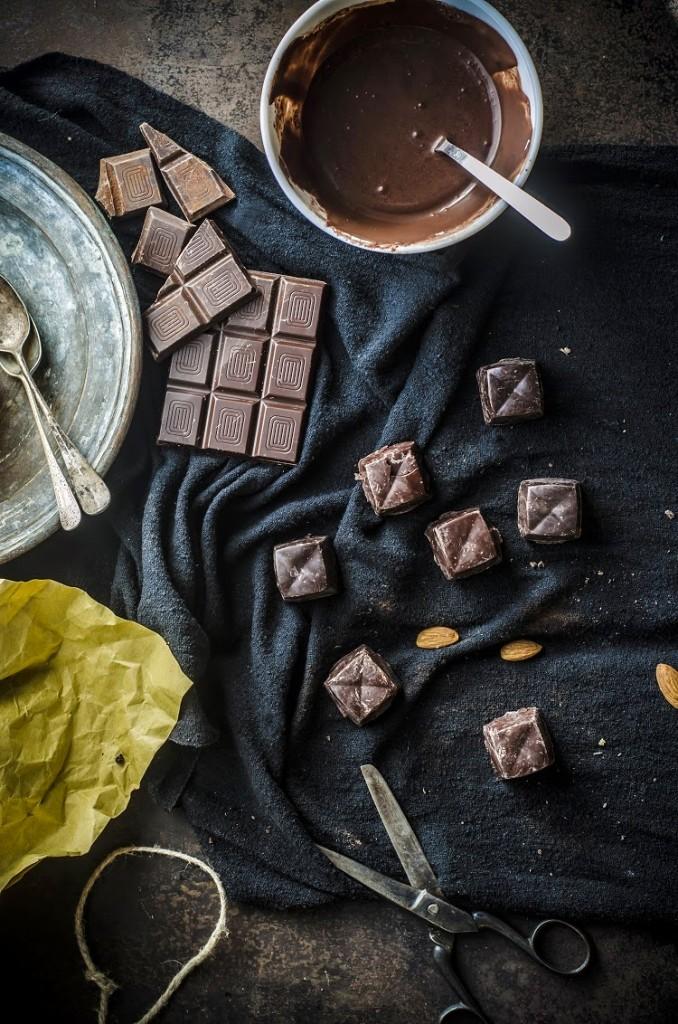 Cioccolatini homemade (con  agrumi e mandorle, ganache al caffè e con biscotto e nocciole)
