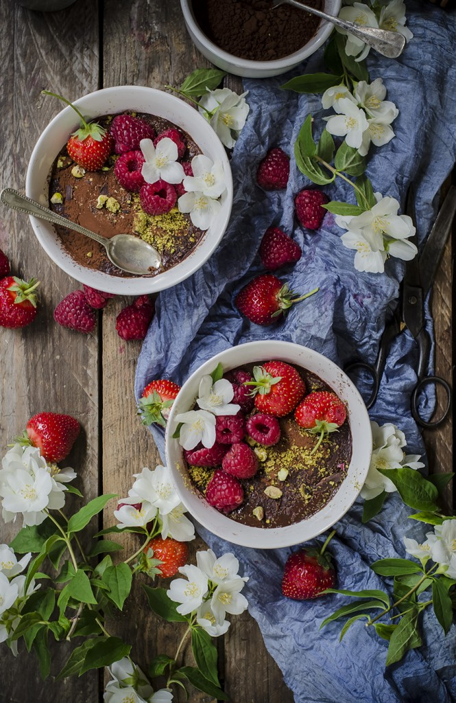 Mousse al cioccolato vegan e raw