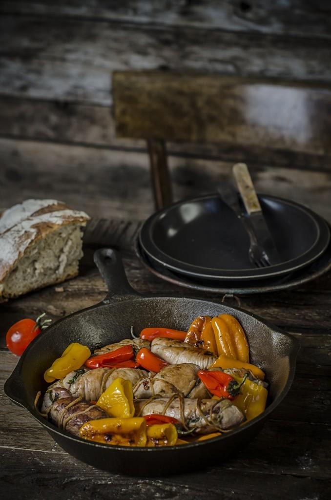 Involtini di pollo  alla pancetta e scarola con peperoncini dolci per Taste&More