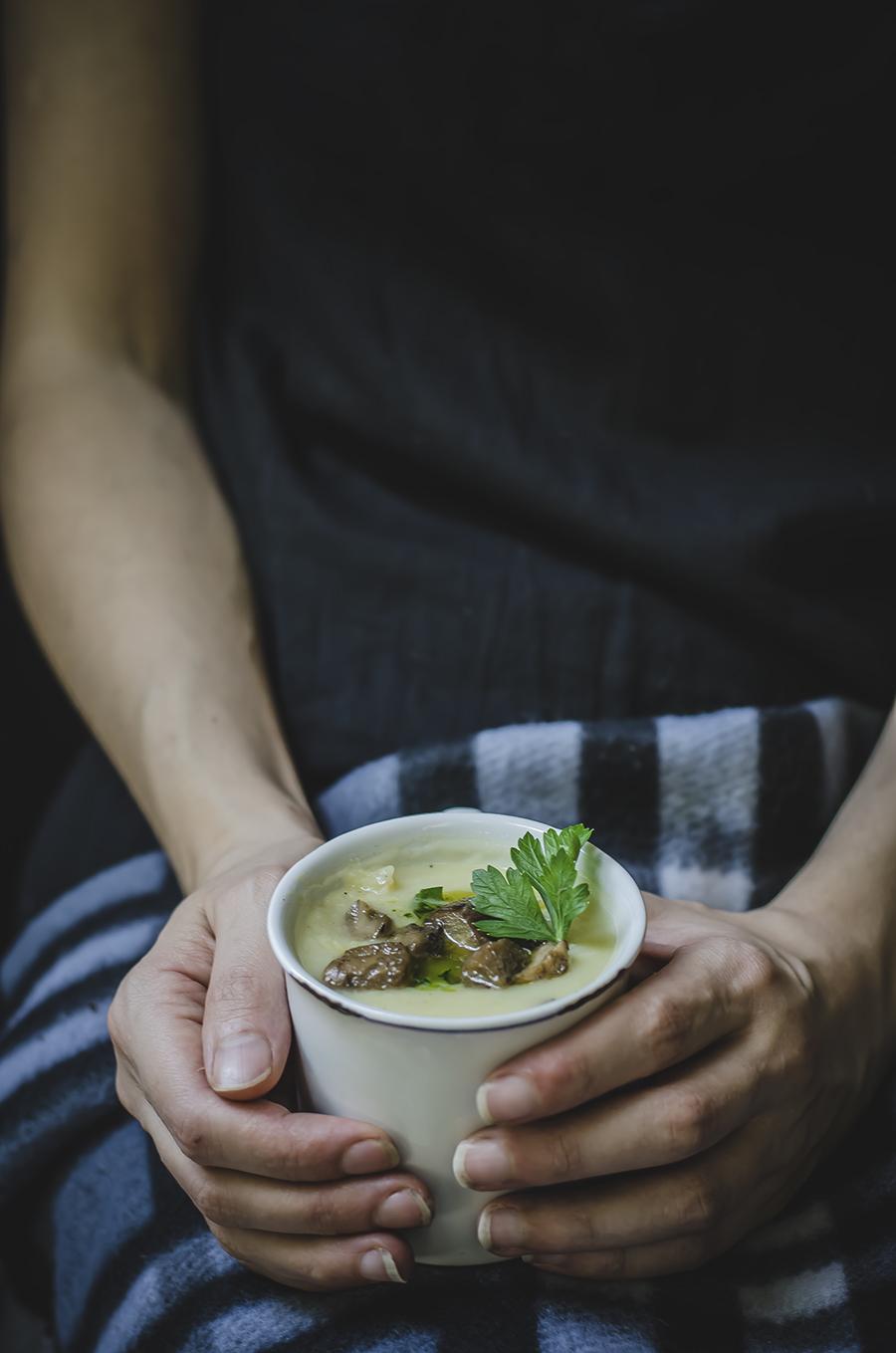 Zuppa di patate porri e porcini
