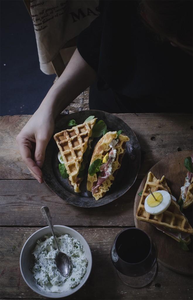 Waffles sandwich alla paprika, ricetta ispirata al vino Campofiorin di Masi
