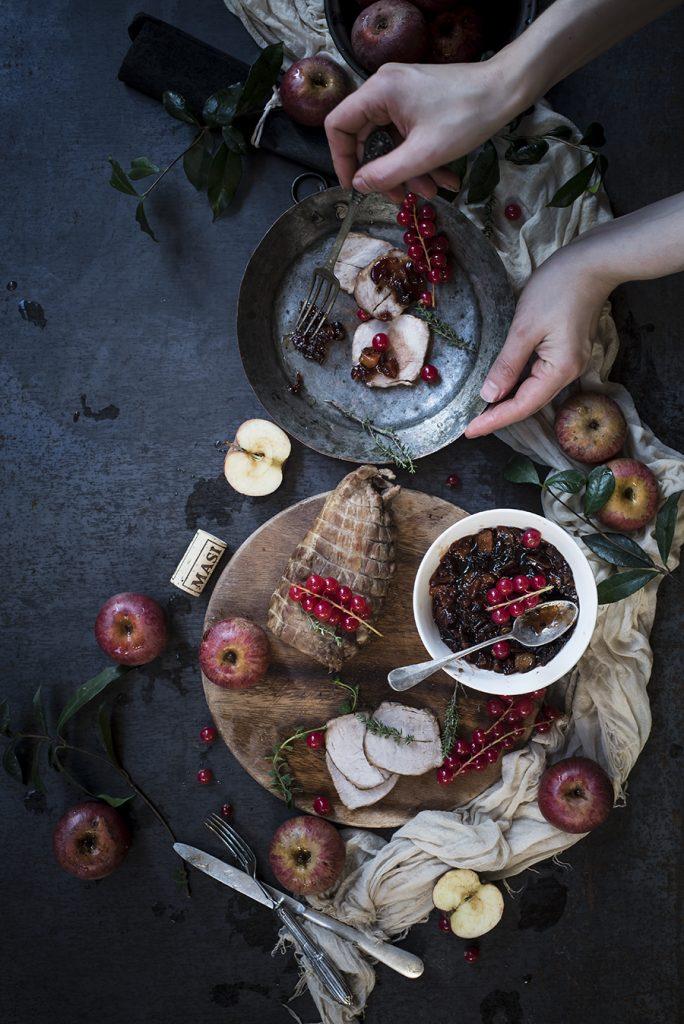 Arrosto di maiale con chutney di mele e ribes- Roast pork loin with red currant and apple chutney