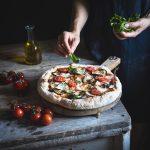 """Pizza """"parmigiana"""" a lunga lievitazione-Long-leavening """"parmigiana"""" pizza"""