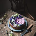 Torta al limone con frosting al succo di mirtillo- Lemon cake with blueberry juice frosting